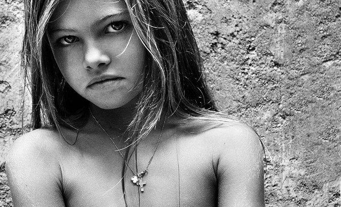 ...моделей, их родителей, профессиональных фотографов и модельным агентствам.
