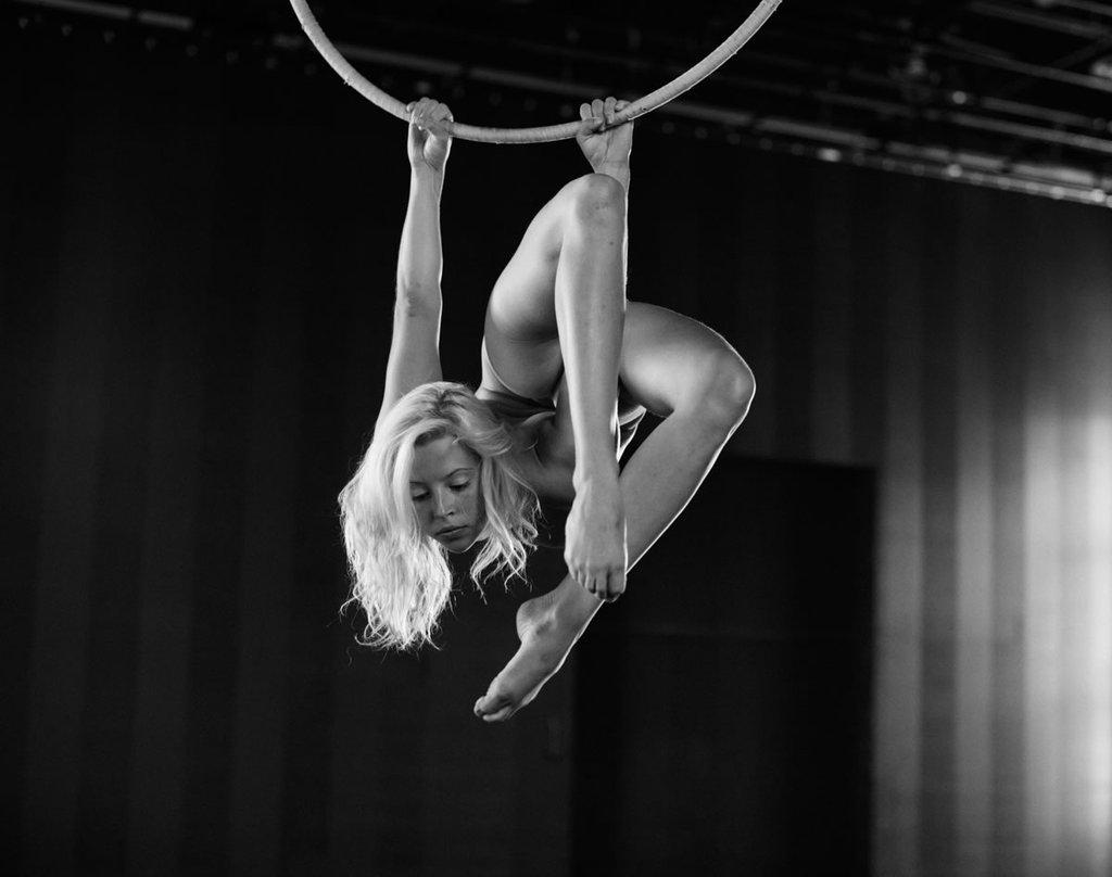фото голых цирковых артистов