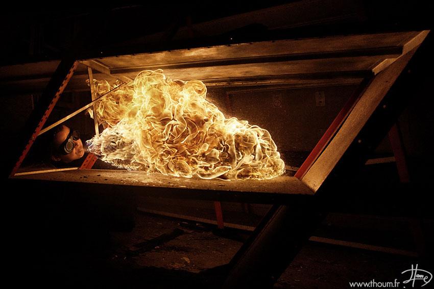 fireshow17 Стихия огня на фото Тома Лакоста