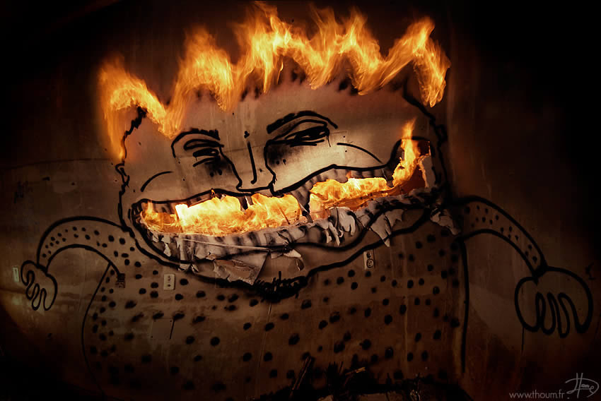 fireshow06 Стихия огня на фото Тома Лакоста