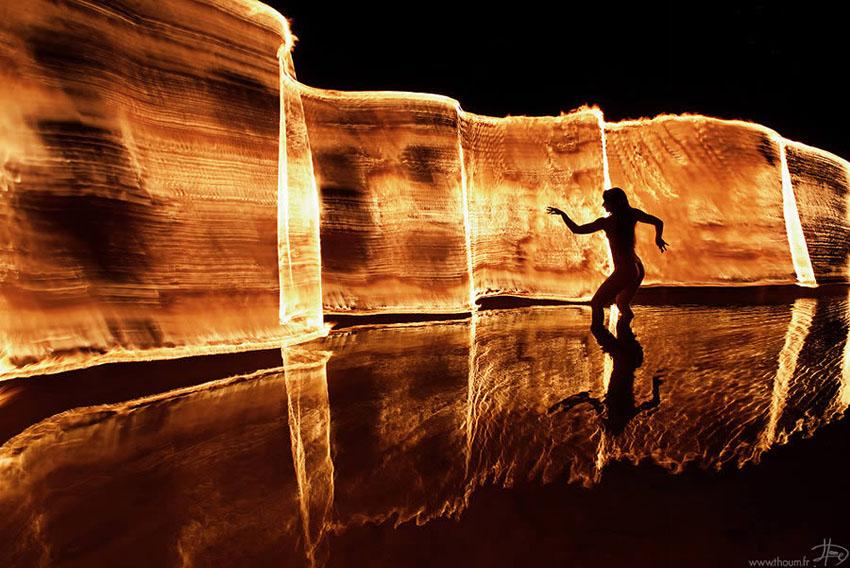 fireshow01 Стихия огня на фото Тома Лакоста