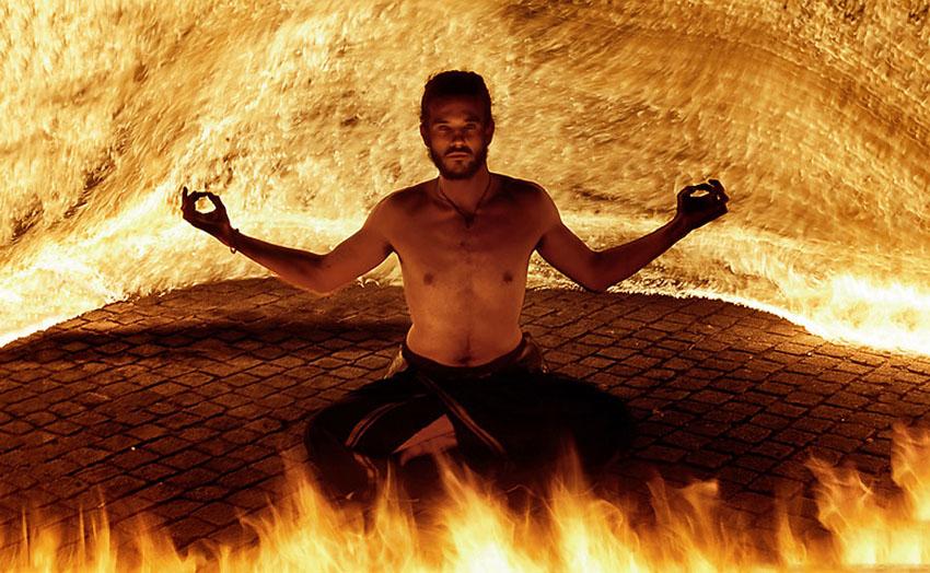 fireshow21 Стихия огня на фото Тома Лакоста