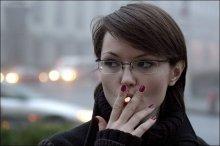 курить... / 1/25s, f=4, ISO=1600, F=100 mm.
