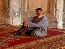 Старик Хотабыч / Старик, который посещал святые места (золотая  мечеть в г.Самарканд)  во время Уразы-Хаид
