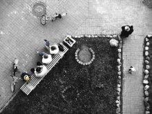 мусорка,джинсы, кепка и велосипед.. или жизнь одного подъезда /