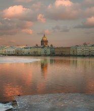 Весна... / Нева. Петербург. Весна... :))