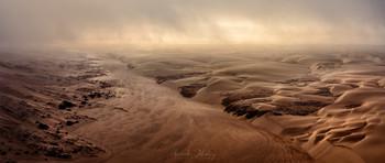 Утро на Берегу Скелетов / Безводные реки Берега Скелетов, Намибия