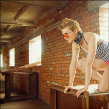 garage glamour / на фото francis irwin