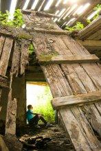 давно не был дома / оказывается в Мачулищах есть чистые заброшенные здания.