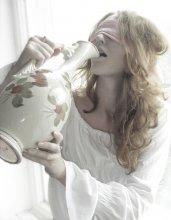 Мы пьем из кувшина жизни вслепую / .........................