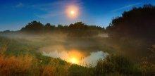 Ночная сказка / в конце лета  немного инфы http://max-helloween.livejournal.com/12517.html  снято там же осенью http://photoclub.by/work.php?id_photo=101508