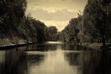 Безмолвие / Река в одном из парков Минска