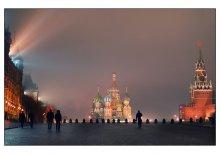 """На Красной...в четверть седьмого. / столица на """"М"""", но не Минск? :) 6 утра"""
