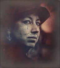 Портрет плохо сохранившейся девушки... / Portrait of a girl, which is poorly preserved...  Плоттер Z3100, фотокартон, 38х43 см