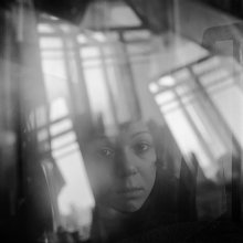 Наташа (портрет с окнами) / .......