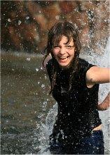 В брызгах счастья! / Увидила это очаровательное создание, плескающееся в фонтане и  не смогла не сделать неколько снимков...)))
