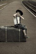в ожидании поезда / стилизация