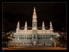 Величие Венского горисполкома / Венская Ратуша построена в 19 веке, неоготический стиль.