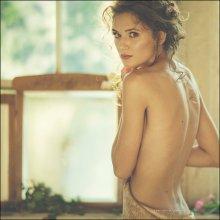 Алена у окна / визаж Тина Климова