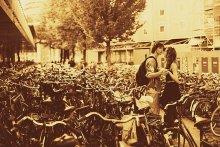 Любовь в городе велосипедов / -----