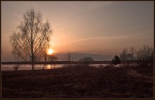 Тихий вечер. / Ранней весной на берегу Волги.