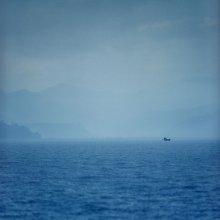 дождь / непал, озеро Фева интересно... между двумя фотографиями пол года жизни, оказавшись опять на этом озере я отснял немало кадров, но выбор пал на этот, и он практически один в один сделан как лучший кадр с прошлой поездки http://photoclub.by/work.php?id_photo=196929&id_auth_photo=794&page=2#t