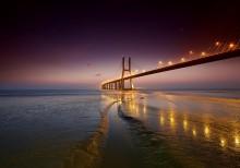 Walking Away / мост-( Vasco da Gama) Portugal