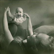 ))) / Ева с мамой...