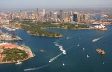 Сидней. Австралия. / Снимок сделан в марте 2011 года во время полёта на гидросамолёте над Сиднеем.