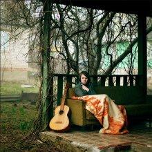 Портрет с гитарой / Апрель 2011