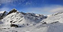 Швейцария от горы Moro / Saastal долины и озера Mattmark