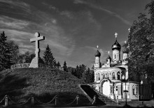 Братская могила русских воинов павших в Полтавской битве (2) / здесь более понятен ансамбль
