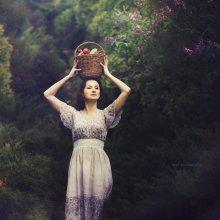 Девушка в саду / http://soul-portrait.com/