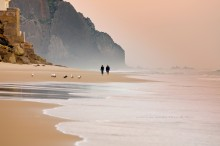 Вечерний променад / Один из португальских пляжей.Розовый вечер