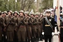 """Крики """"Ура"""") / 9 мая. Севастополь. Парад."""