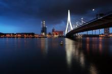 Lights of Rotterdam / Роттердам - один самых больших портов Европы, центр города, вид на роттердамский мост.