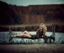 / photo: Boris Bushmin model: Polina Karpilyanskaya make-up: Antonina Yablokova