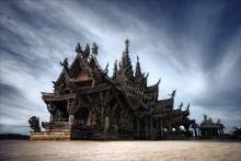 храм Истины / храм Истины высотой 105 метров выполнен полностью из ценных пород дерева (тиковое, железное, красное) без единого гвоздя.  тайланд