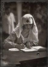 Старая фотография... / стилизация старой фотографии с моим участием в главной роли (медсестры)