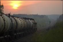 Вечер.Перегон. Впереди станция / немного о вечерней железке... Литовский тепловоз 2М62К с наливным составом  приближается к станции Ошмяны