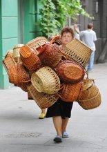 """Курсом на """"Привоз"""" / С утра на знаменитый одесский рынок """"Привоз"""" направляются как покупатели, так и продавцы..."""