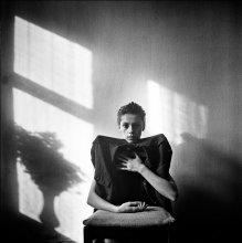 Виталина (портрет с тенью) / ..........
