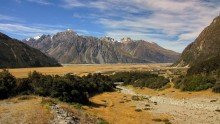 Горный пейзаж Новой Зеландии / Снимок сделан в апреле 2011 года на Южном острове Новой Зеландии.