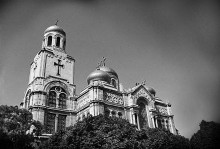 Успенский собор / http://ru.wikipedia.org/wiki/Успенский_собор_(Варна)