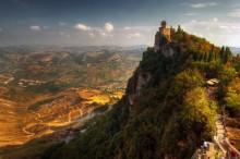 San Marino / Вид на третий замок