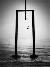 The Gate (Врата) / Не коллаж