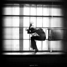 / психосоматика ч.2  иногда выход гораздо меньше, чем весь тот багаж что мы хотим взять с собой.... а еще где-то капает вода и птица бъется крыльями в окно... под аритмию биенеия сердца.