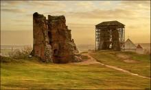 Ноябрьское утро на Замковой горе / Руины Новогрудского замка в утреннем свете