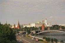Вид с моста у ХХС / Банальный вид, который есть у многих туристов, посещаюших толпами город Москау, но от этого - не менее любимый мной.
