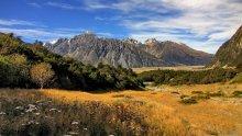 Солнечная долина / Снимок сделан в апреле 2011 года на Южном острове Новой Зеландии в районе горы Кука (Mount Cook).